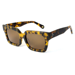 Oversized, acetate frame and temples in brown tartaruga color and solid brown polarized lenses